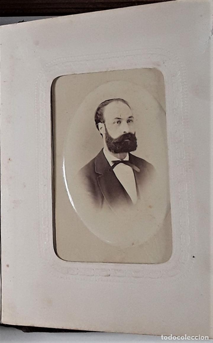 Antigüedades: ÁLBUM DE FOTOGRAFÍAS EN PIEL, CON METAL DORADO. ESPAÑA. SIGLO XIX-XX. - Foto 11 - 183791702