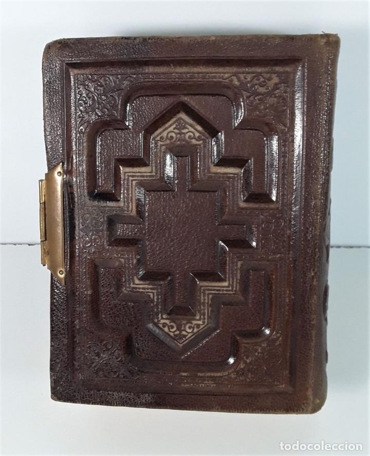 Antigüedades: ÁLBUM DE FOTOGRAFÍAS EN PIEL, CON METAL DORADO. ESPAÑA. SIGLO XIX-XX. - Foto 15 - 183791702