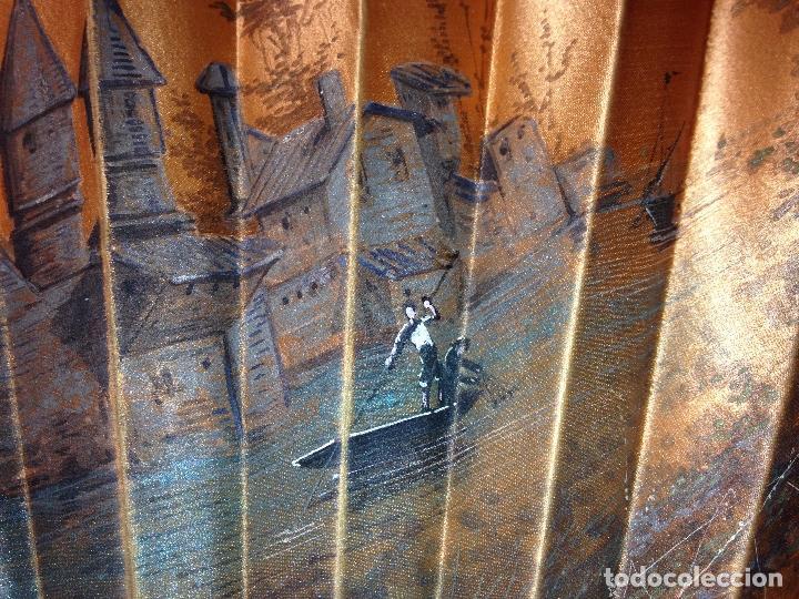 Antigüedades: ANTIGUO ABANICO PAIS EN SEDA PINTADO A MANO Y VARILLAJE EN CONCHA DE NÁCAR - SIGLO XIX - - Foto 3 - 183799198