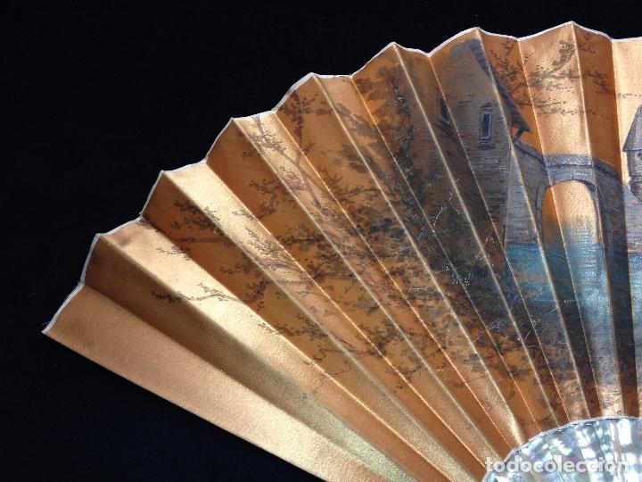 Antigüedades: ANTIGUO ABANICO PAIS EN SEDA PINTADO A MANO Y VARILLAJE EN CONCHA DE NÁCAR - SIGLO XIX - - Foto 4 - 183799198