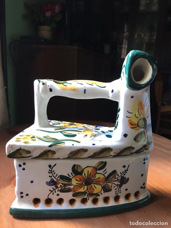 PLANCHA MARCA GARLAZ MANISES, ANTIGUA (Antigüedades - Porcelanas y Cerámicas - Manises)