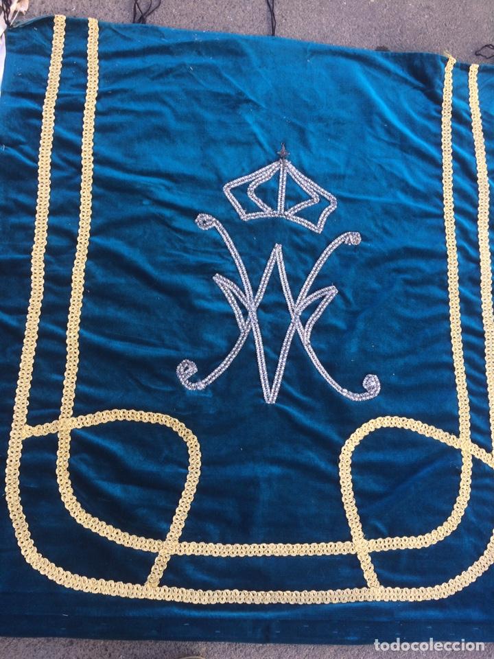 ANTIGUO TAPIZ DE IGLESIA CON RELICARIO! (Antigüedades - Religiosas - Capas Pluviales Antiguas)