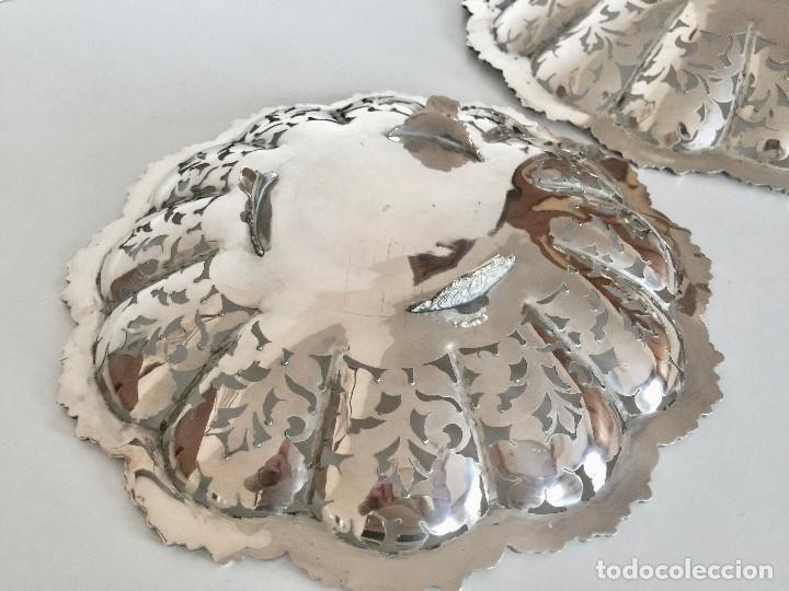 Antigüedades: PAREJA DE PLATOS DE PLATA 800-CINCELADOS CON HOJAS Y FLORES-VINTAGE 1950 - Foto 9 - 183818888