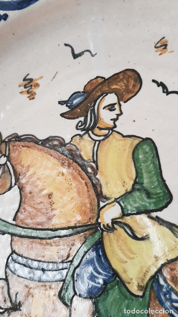 Antigüedades: ANTIGUO GRAN PLATO FIRMADO SANGUINO,TOLEDO, PRIMERA EPOCA. TAL CUAL SE VE. - Foto 5 - 183825285