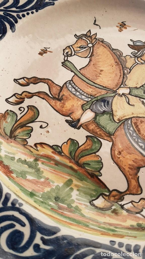 Antigüedades: ANTIGUO GRAN PLATO FIRMADO SANGUINO,TOLEDO, PRIMERA EPOCA. TAL CUAL SE VE. - Foto 7 - 183825285