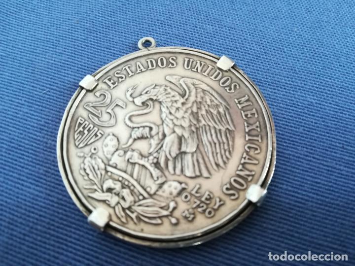 Antigüedades: Colgante con Moneda 25 pesos Estados unidos mexicanos 1968 en plata de ley 720 - Foto 3 - 183831787