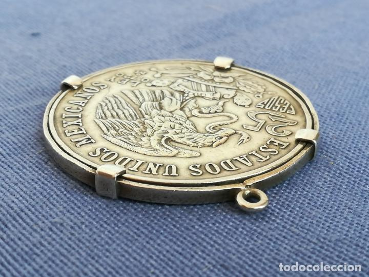 Antigüedades: Colgante con Moneda 25 pesos Estados unidos mexicanos 1968 en plata de ley 720 - Foto 6 - 183831787