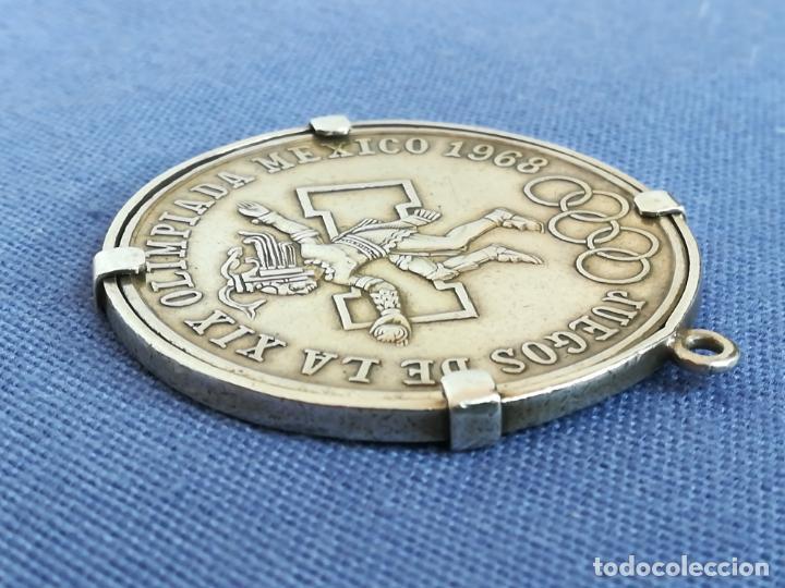 Antigüedades: Colgante con Moneda 25 pesos Estados unidos mexicanos 1968 en plata de ley 720 - Foto 9 - 183831787