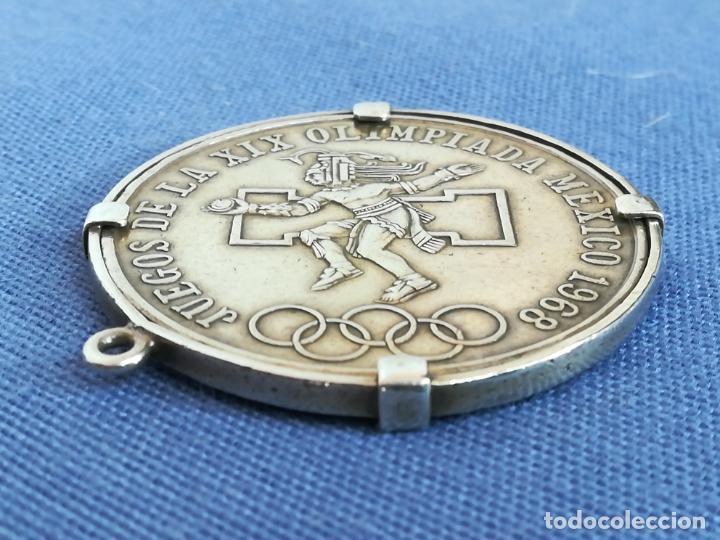 Antigüedades: Colgante con Moneda 25 pesos Estados unidos mexicanos 1968 en plata de ley 720 - Foto 10 - 183831787