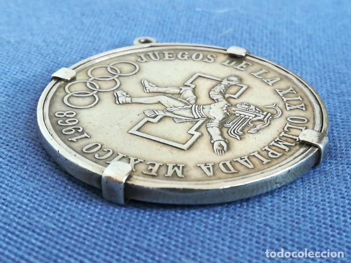 Antigüedades: Colgante con Moneda 25 pesos Estados unidos mexicanos 1968 en plata de ley 720 - Foto 11 - 183831787