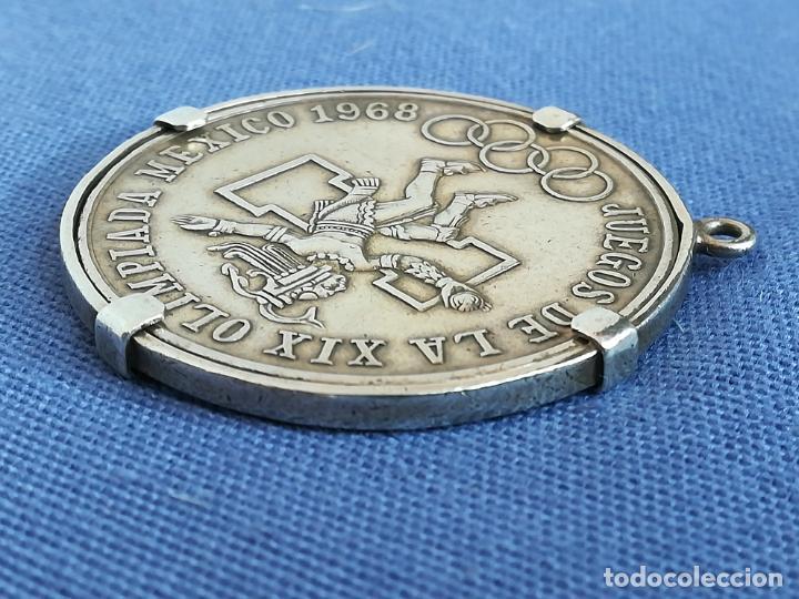 Antigüedades: Colgante con Moneda 25 pesos Estados unidos mexicanos 1968 en plata de ley 720 - Foto 12 - 183831787
