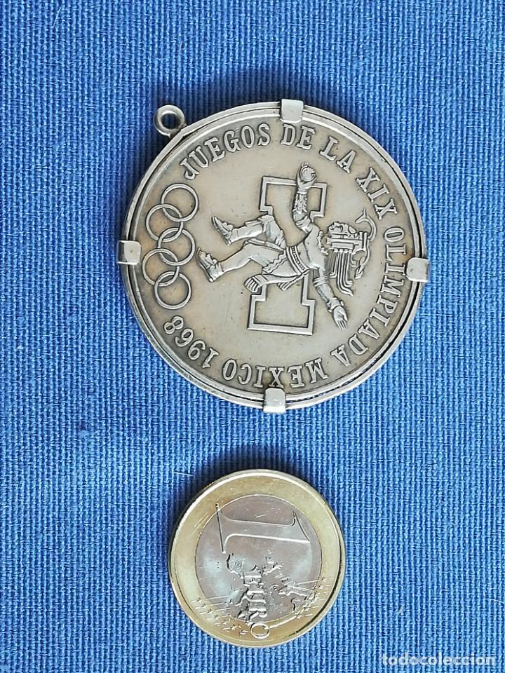 Antigüedades: Colgante con Moneda 25 pesos Estados unidos mexicanos 1968 en plata de ley 720 - Foto 14 - 183831787