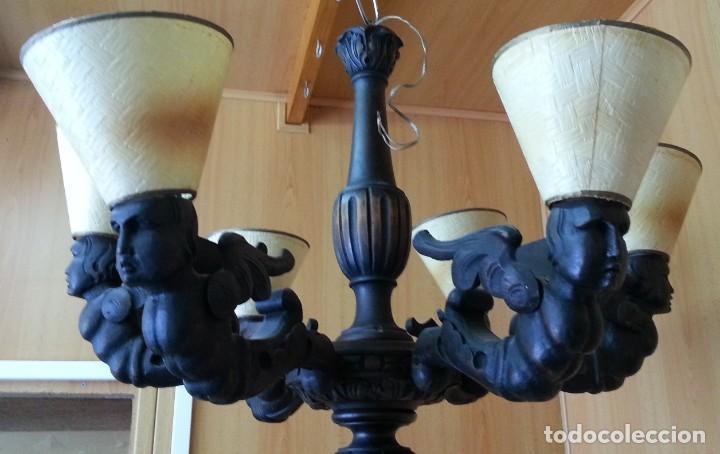 LÁMPARA DE TECHO. IMPRESIONANTES TALLAS EN SUS BRAZOS. AÑOS 40. FUNCIONANDO. (Antigüedades - Iluminación - Lámparas Antiguas)