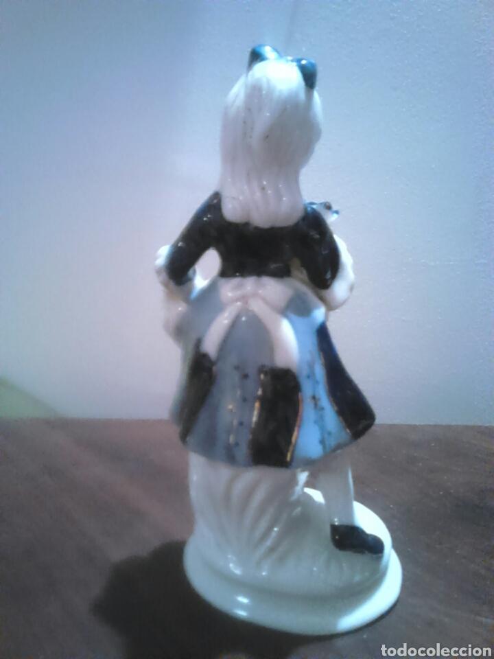 Antigüedades: Preciosa figura porcelana,desconozco,ideal coleccionistas - Foto 3 - 183844435