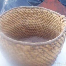 Antigüedades: ANTIGUO RECIPIENTE DE PAJA. Lote 183855861