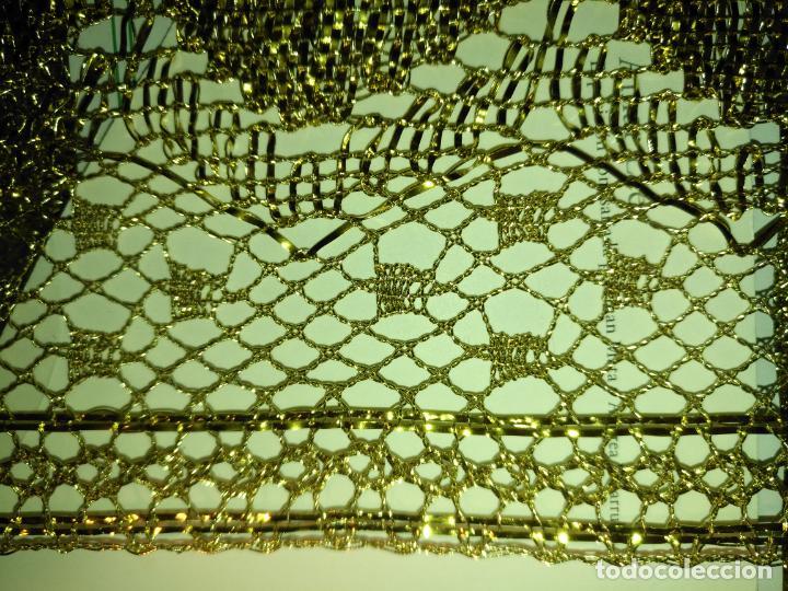 Antigüedades: 4 METROS 7,2CM ENCAJE DORADO FORMANDO CONCHA PARA MANTO SAYA VIRGEN NIÑO JESUS SEMANA SANTA - Foto 5 - 183858210
