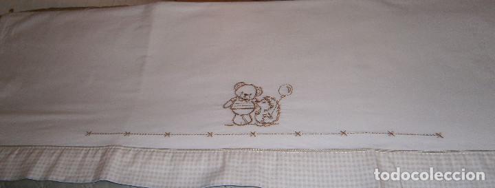 Antigüedades: sabana blanca bordada para cuna - Foto 2 - 183861538