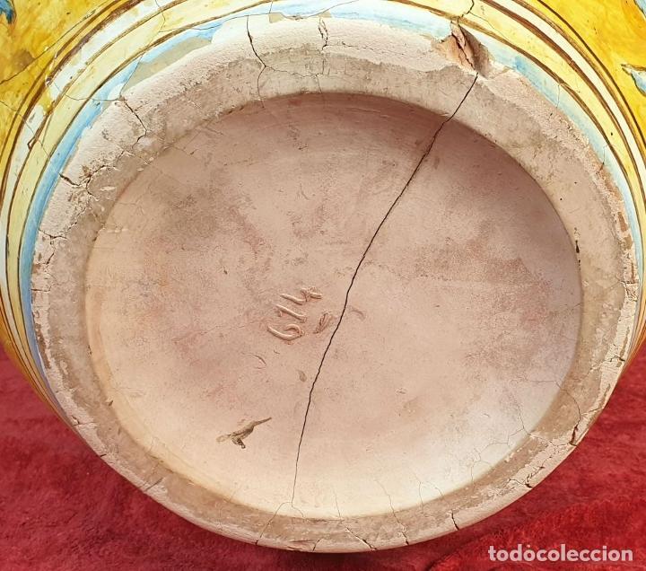 Antigüedades: GRAN JARRÓN CON PEANA. CERÁMICA ESMALTADA. TALAVERA. SIGLO XIX-XX. - Foto 16 - 183886468