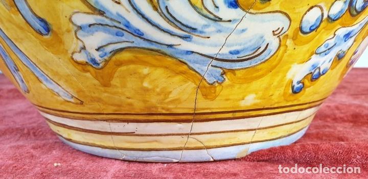 Antigüedades: GRAN JARRÓN CON PEANA. CERÁMICA ESMALTADA. TALAVERA. SIGLO XIX-XX. - Foto 21 - 183886468