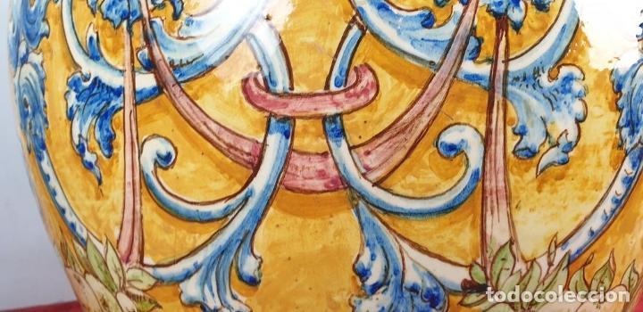 Antigüedades: GRAN JARRÓN CON PEANA. CERÁMICA ESMALTADA. TALAVERA. SIGLO XIX-XX. - Foto 22 - 183886468