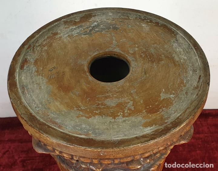 Antigüedades: GRAN JARRÓN CON PEANA. CERÁMICA ESMALTADA. TALAVERA. SIGLO XIX-XX. - Foto 24 - 183886468