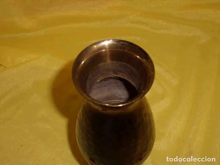 Antigüedades: Jarrón florero acero, latón esmaltado, años 90, altura 16,5 cm, Nuevo sin usar - Foto 2 - 183898955