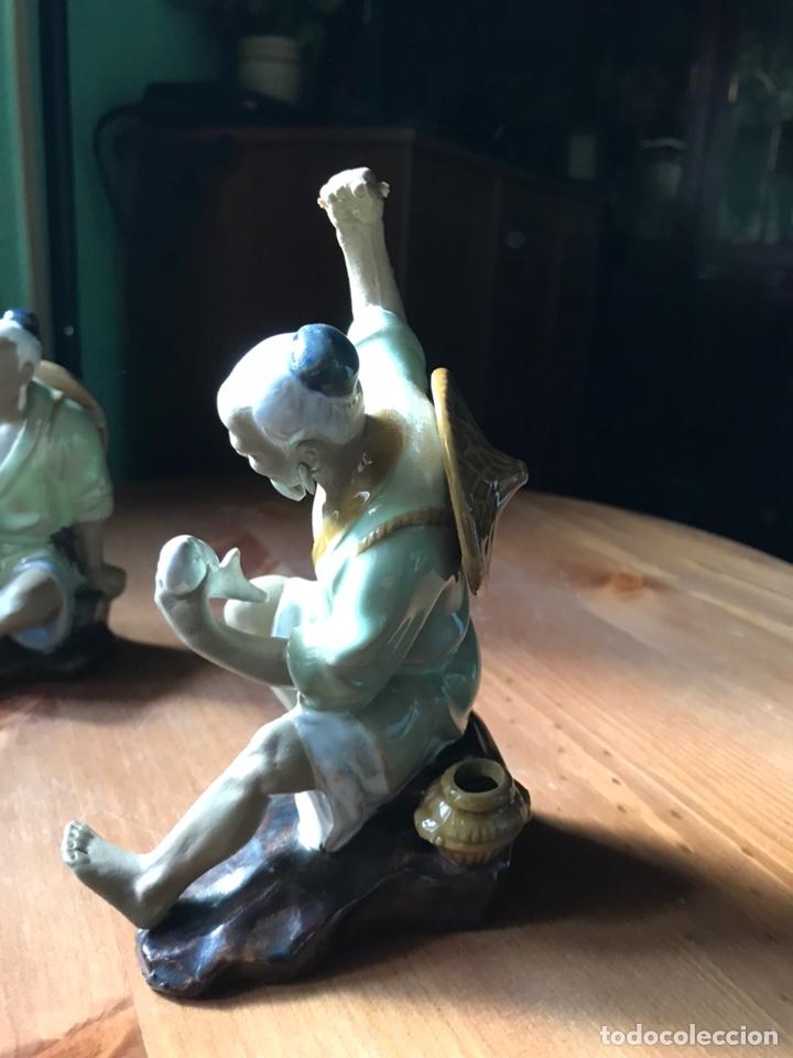 Antigüedades: Figura de Pescador, de porcelana china y Biscuit y otra de regalo . - Foto 3 - 183912896