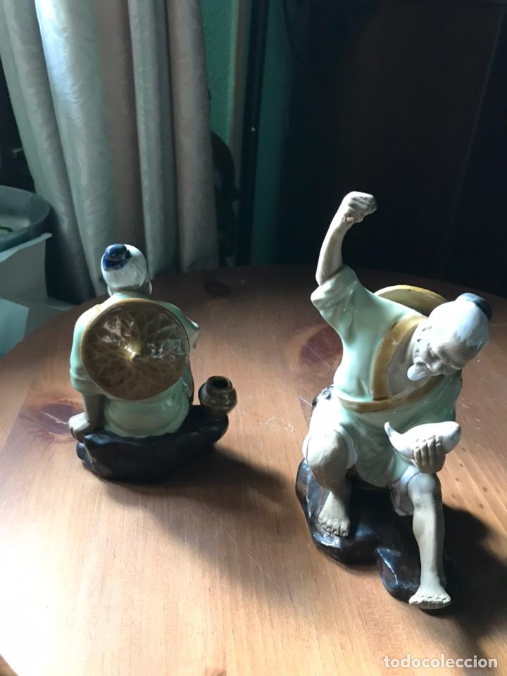 Antigüedades: Figura de Pescador, de porcelana china y Biscuit y otra de regalo . - Foto 8 - 183912896