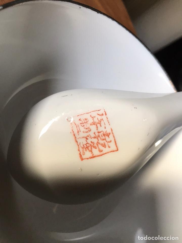 Antigüedades: Plato, cuchara y cuenco de porcelana china de Macao antiguo - Foto 13 - 183913566