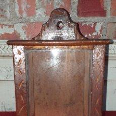 Antigüedades: PEQUEÑA CAPILLA ARTESANAL SIGLO XIX TALLADA A MANO. Lote 183927358