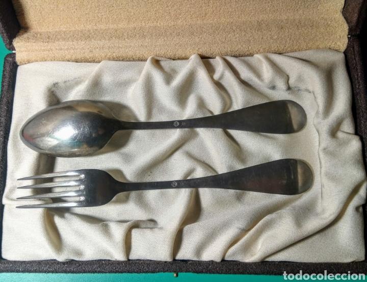 Antigüedades: 2 Cubiertos plata contrastada, con estuche. - Foto 2 - 183960851
