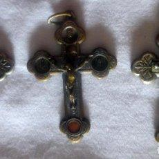 Antigüedades: TRES CRUCES CON RELIQUIA 2 DE SANTO A. M CLARET Y 1 TERRA CATACOMBE. Lote 183905157