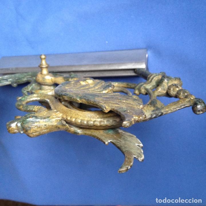 Antigüedades: ANTIGUO CANDELABRO -PORTAVELAS DE PARED CON DRAGÓN ALADO EN METAL - - Foto 5 - 184001995