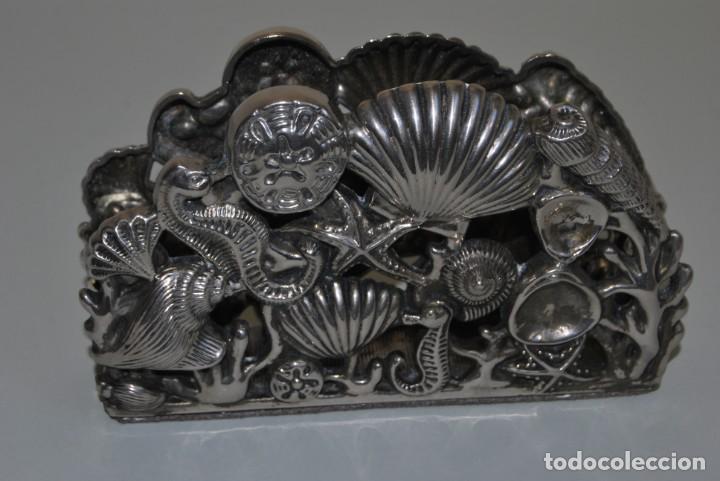 SERVILLETERO MARINO - CONCHAS, CABALLITOS DE MAR - GODINGER SILVER PLATED (Antigüedades - Plateria - Varios)