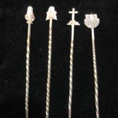 Antigüedades: LOTE DE 4 ANTIGUOS CUBIERTO DE PLATA CONTRASTADA - MOTIVOS DEL CAMINO DE SANTIAGO - MEDIDA 10,5 CM. Lote 184016805