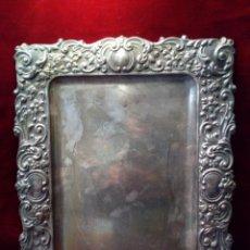 Antigüedades: ANTIGUA BANDEJA 40X30 CM SELLO PLATERO - CONTRASTE M.C MH PLATEADO G. Lote 184095735