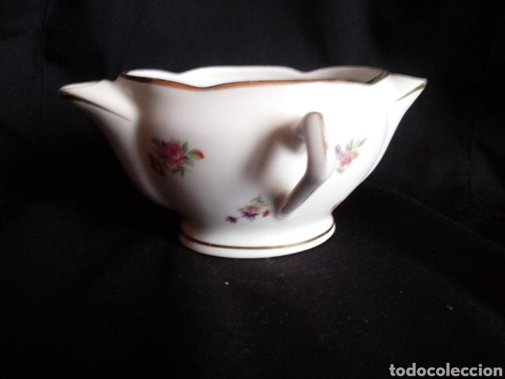 Antigüedades: Antigua salsera de porcelana francesa. Separa grasas maigre gras - Foto 2 - 184129312