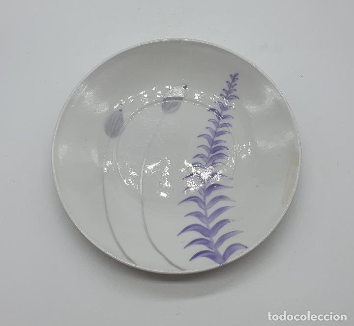 Antigüedades: Precioso juego de plato y taza de café antiguo en porcelana fina de castro galicia pintada a mano. - Foto 5 - 184132165