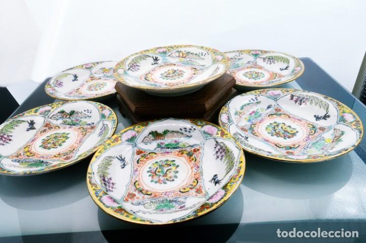 ANTIGUOS PLATOS DE PORCELANA CHINA LOTUS BLOOMS BRAND CON FINA DECORACIÓN A MANO - SELLOS CHINOS (Antigüedades - Porcelanas y Cerámicas - China)