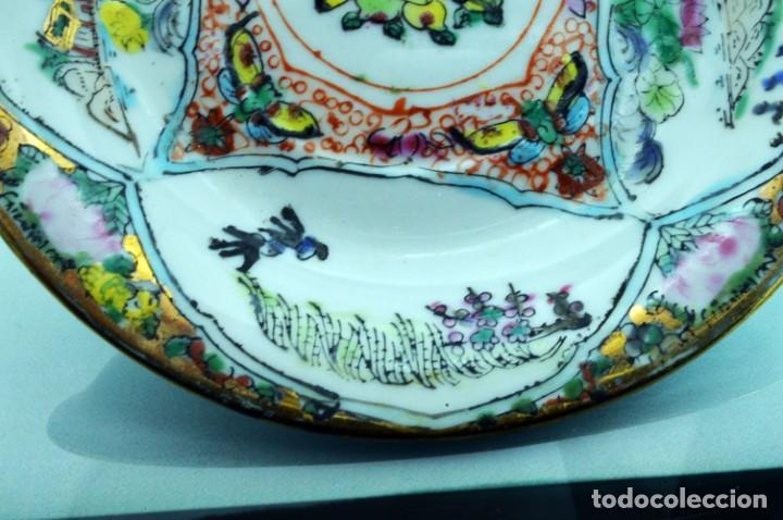 Antigüedades: ANTIGUOS PLATOS DE PORCELANA CHINA LOTUS BLOOMS BRAND CON FINA DECORACIÓN A MANO - SELLOS CHINOS - Foto 5 - 184141395