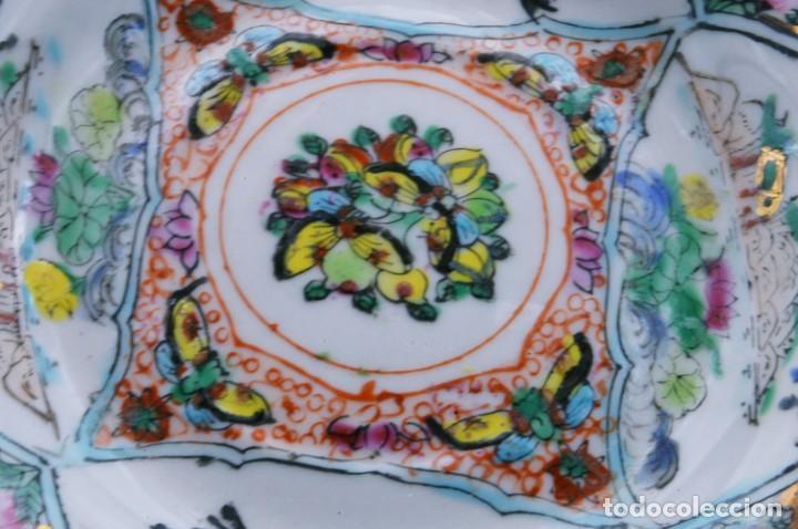 Antigüedades: ANTIGUOS PLATOS DE PORCELANA CHINA LOTUS BLOOMS BRAND CON FINA DECORACIÓN A MANO - SELLOS CHINOS - Foto 13 - 184141395