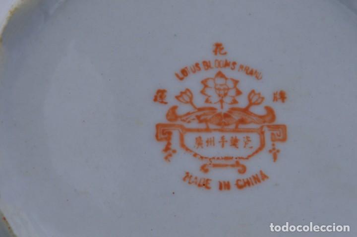 Antigüedades: ANTIGUOS PLATOS DE PORCELANA CHINA LOTUS BLOOMS BRAND CON FINA DECORACIÓN A MANO - SELLOS CHINOS - Foto 14 - 184141395