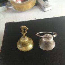 Antigüedades: PAREJA DE CAMPANITAS. Lote 184169810