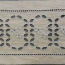 Oggetti Antichi: ANTIGUO ENTREDOS DE BATISTA BORDADA PPIO. S. XX. Lote 184174967