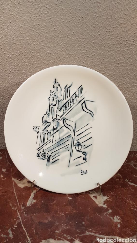 PLATO N. 3 DE CATEDRAL DE SANTIAGO. DE G. PORTO. CERAMICAS CASTRO SARGADELOS. DESCATALOGADO 36/500 (Antigüedades - Porcelanas y Cerámicas - Sargadelos)