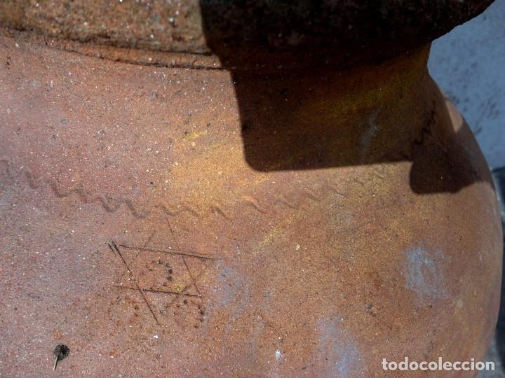 Antigüedades: Tinaja antigua de barro con marcas - Foto 3 - 184187406