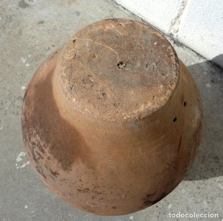 Antigüedades: Tinaja antigua de barro con marcas - Foto 6 - 184187406