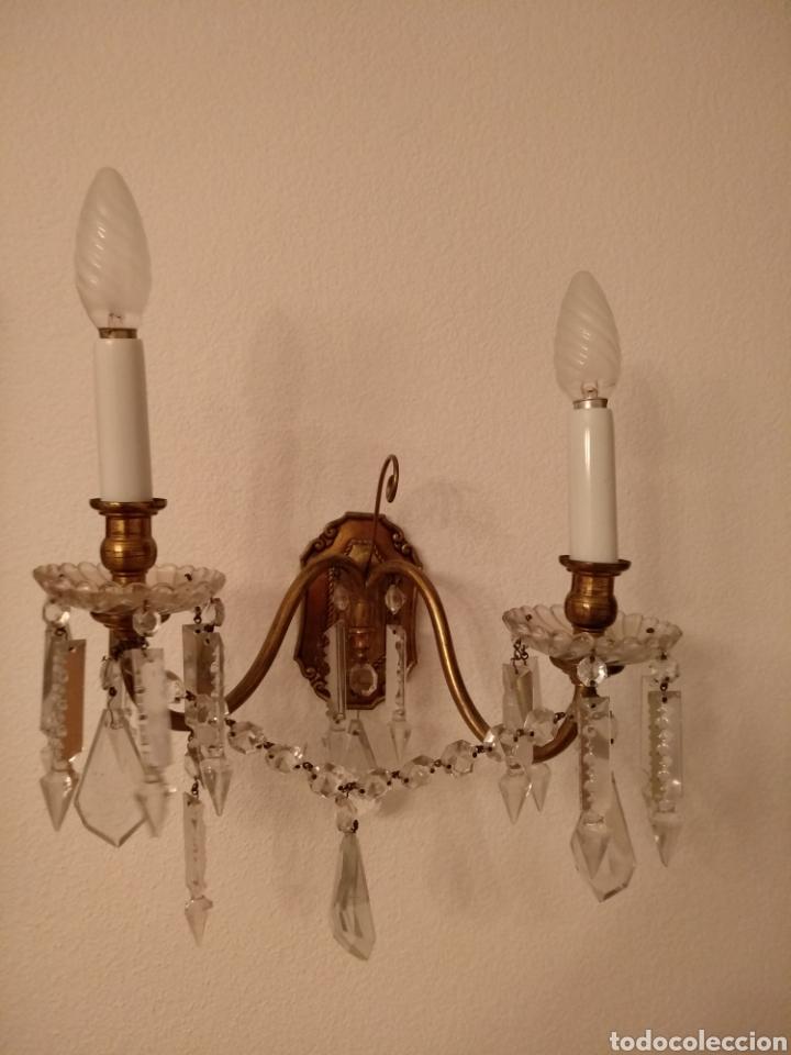 PAREJA DE APLIQUES DE BRONCE Y CRISTAL (Antigüedades - Iluminación - Apliques Antiguos)