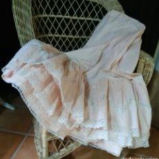 Antigüedades: ANTIGUA ENAGUA CON ENCAJE DE VALENCIEN. Lote 184206838