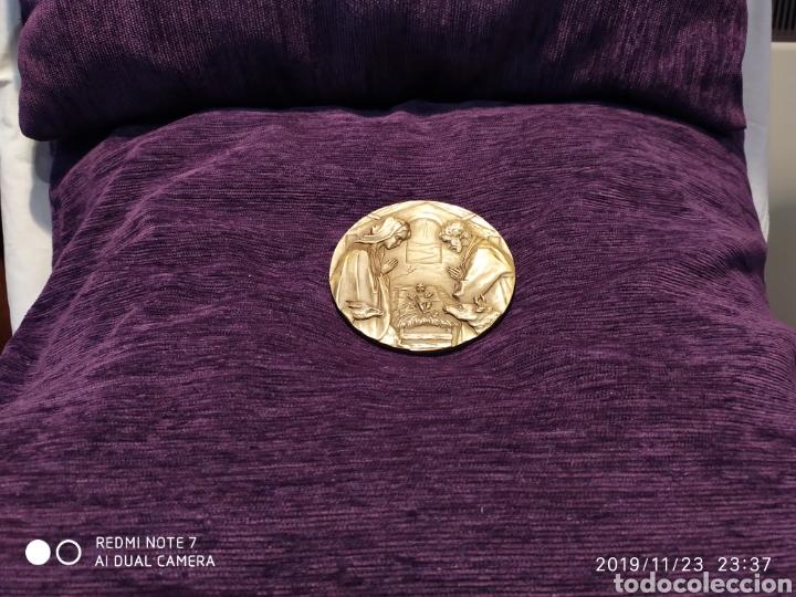 Antigüedades: INIGUALABLE METOPA NATAL EN RELIEVE, BRONCE PULIDO, ÚNICA, VER, AÑO 2000 - Foto 2 - 184226316